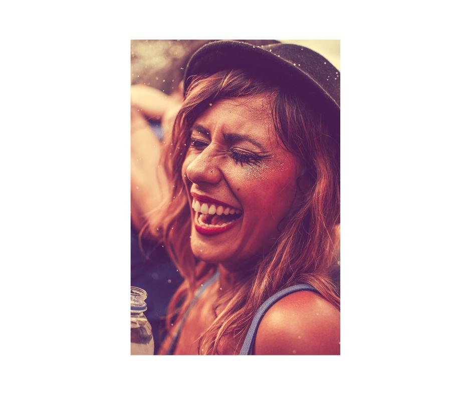 האם צחוק עוזר לבריאות?
